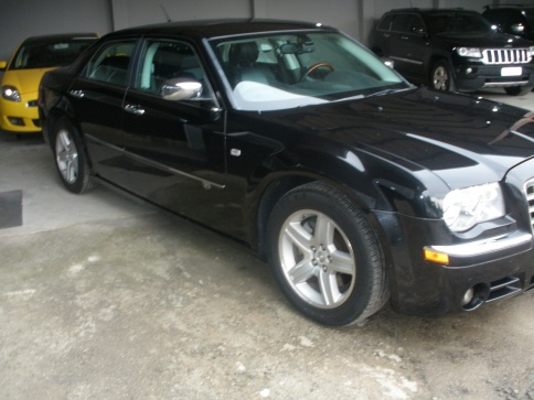 CHRYSLER 300C SEDAN 5.7 V-8 Hemi 4P