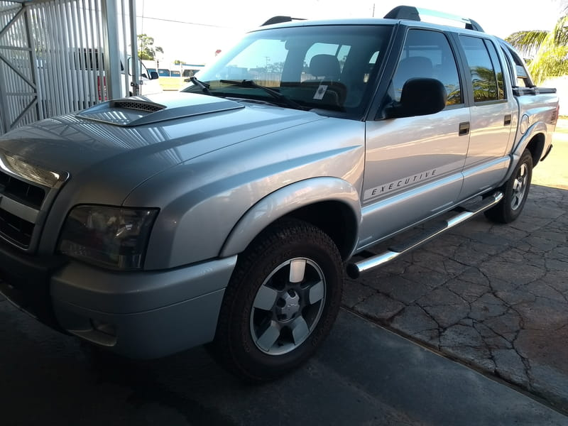 CHEVROLET S-10 PICKUP FLEXPOWER EXECUTIVE C.DUPLA 4X2 2.4 8V 4P