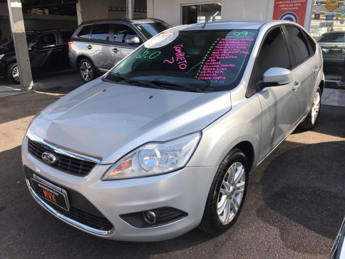 FORD FOCUS HATCH L 2.O 16V MANUAL