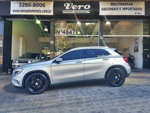 MERCEDES-BENZ GLA 200 1.6 CGI VISION 16V TURBO 4P